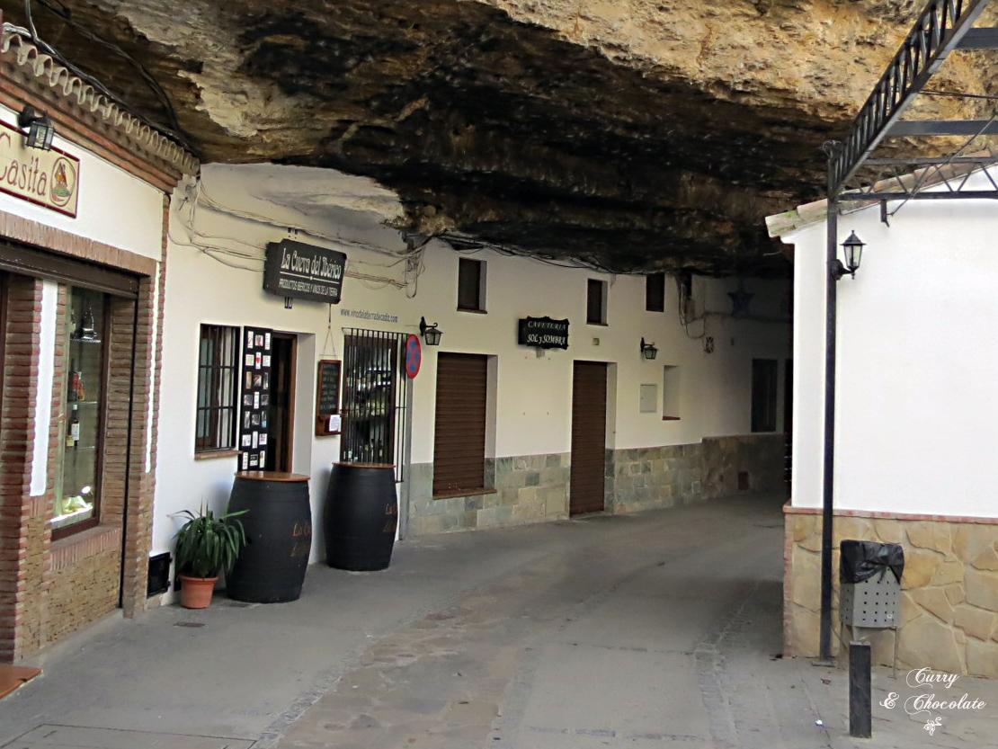Setenil de las Bodegas - Cuevas de la sombra