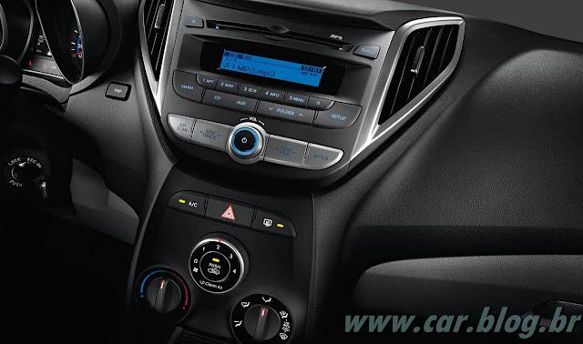 Hyundai HB 20 - por dentro - console central