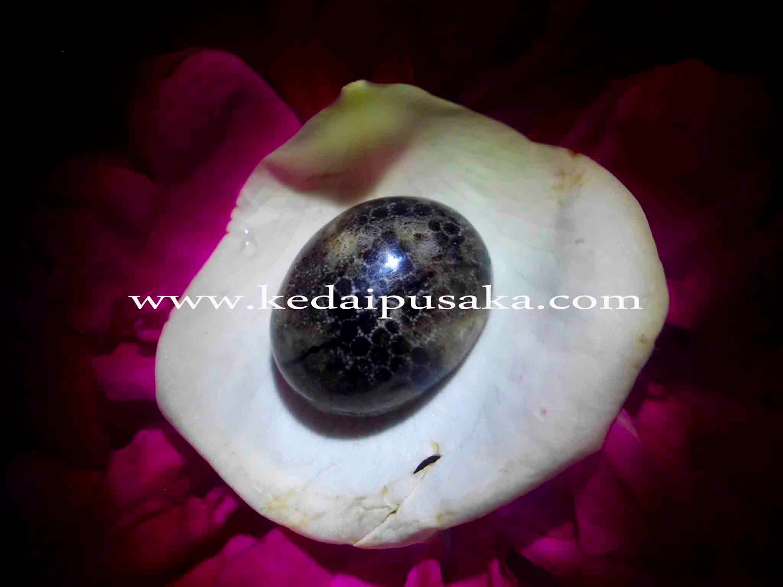 Batu Mustika Ular