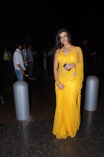 Telugu+actress+Madhurima+Yellow+Saree002 Telugu Actress Madhurima in Yellow Saree Photo Gallery