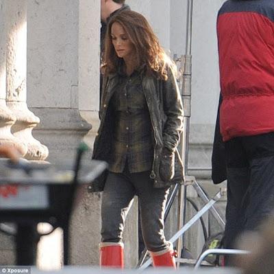 Jane Foster (Natalie Portman)