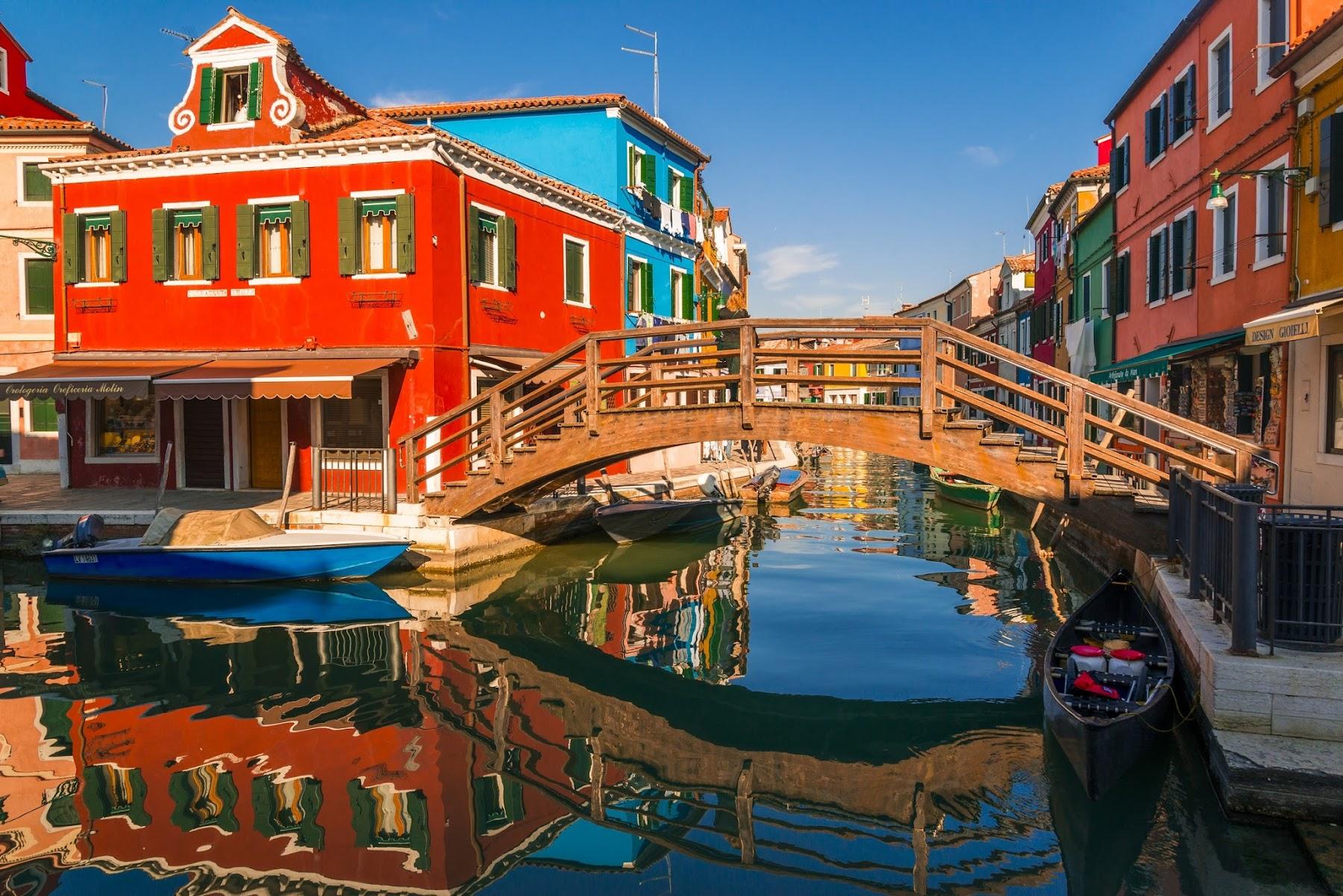 Цветные дома в Италии