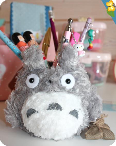 Kawaii Box Tamtokki spéciale rentrée - pot à crayons Totoro
