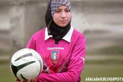 Muslimah Cantik 16 Tahun Jadi Wasit Berjilbab Pertama Di Italia