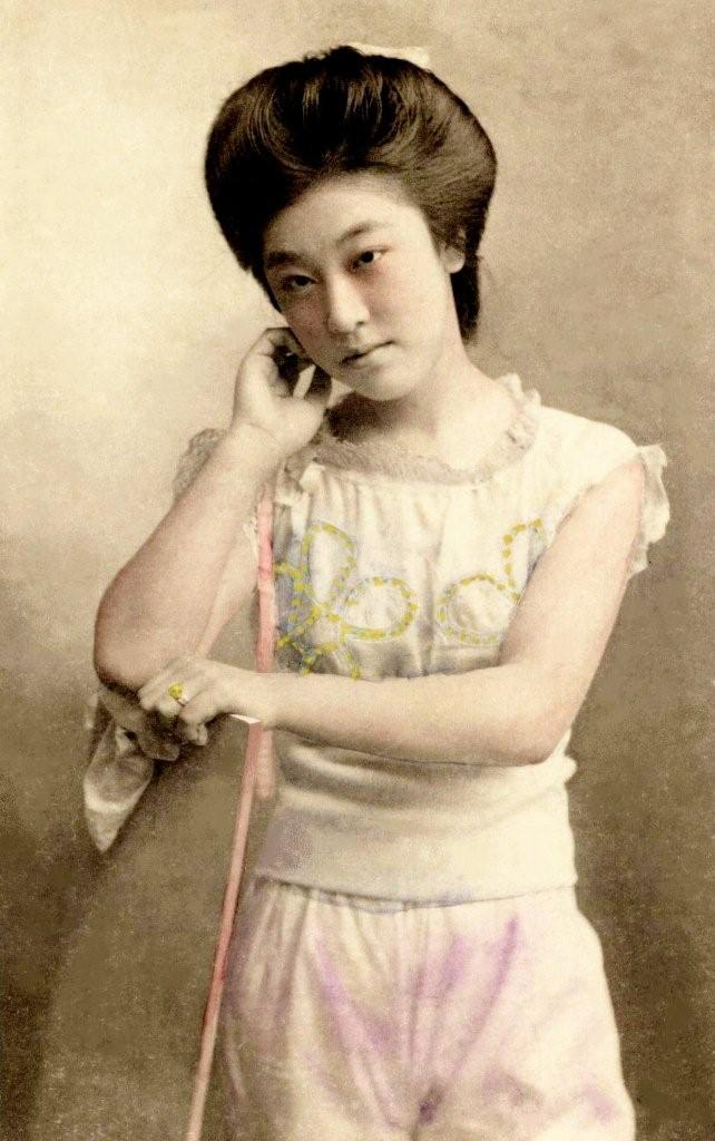 Vintage Everyday Rare Photos Of Geisha And Maiko Without