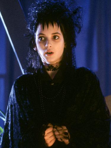 Winona Ryder Como Lydia Deetz