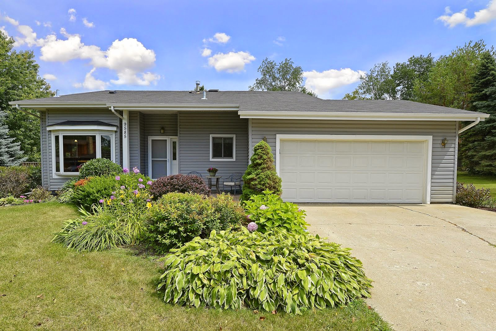 SOLD 9585 Lakeview Lane, Chaska MN 55318