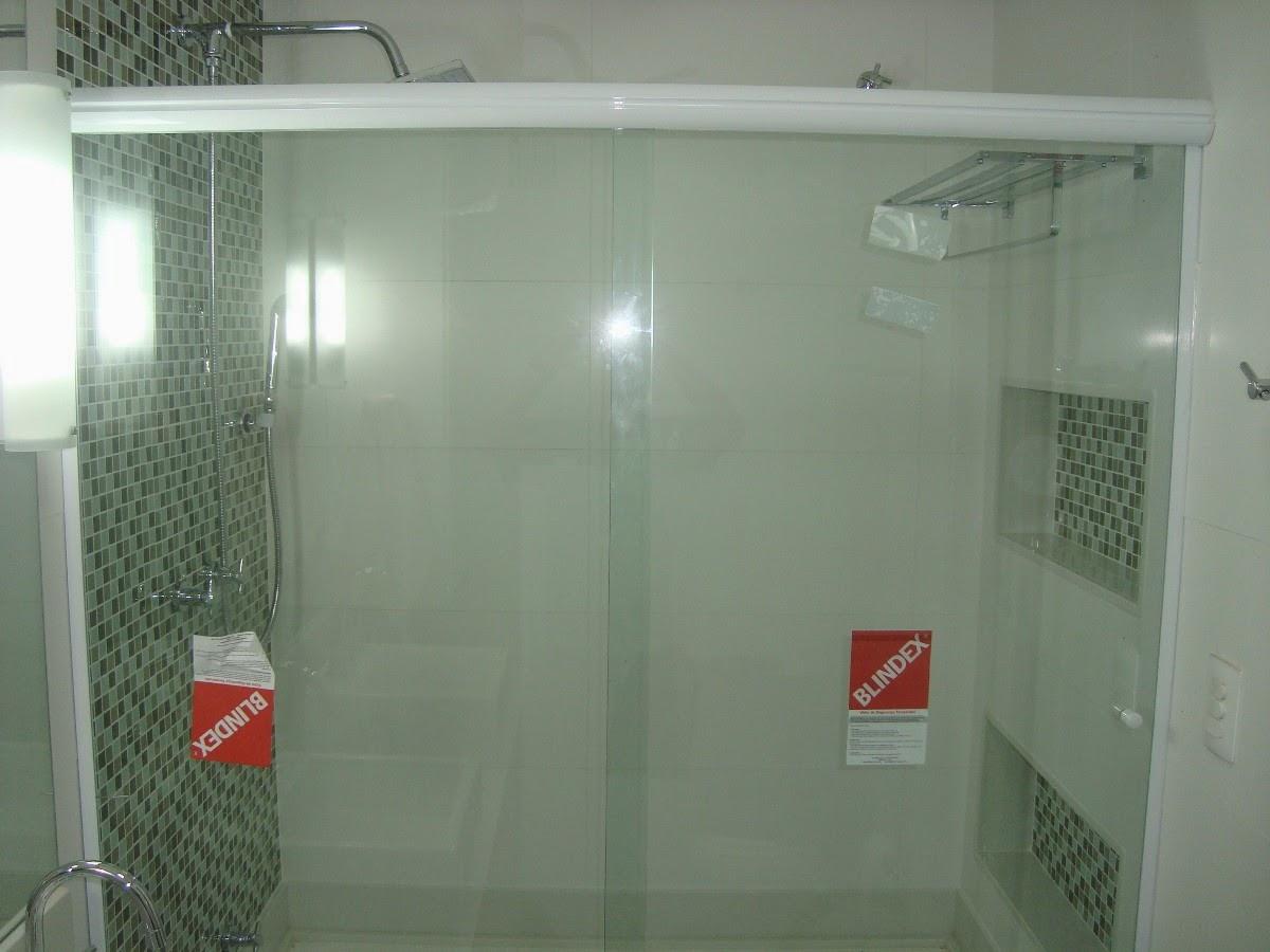 Imagens de #823127 na instalação de box de vidro para banheiro e em envidraçamento de  1200x900 px 3514 Blindex De Banheiro Rj