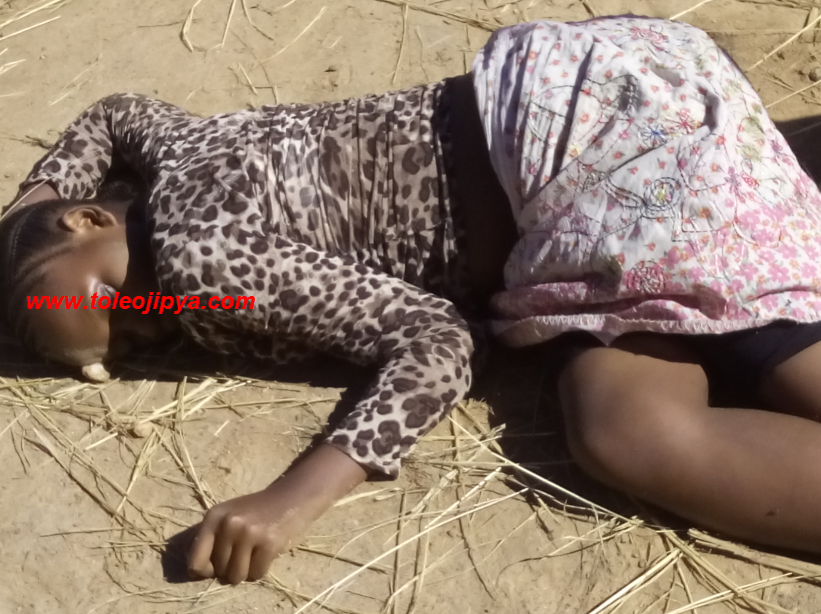kuangalia picha za utupu za mwalimu wa sekondari maarufu dar