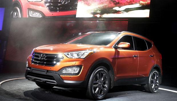 Mobil Hyundai Santa Fe Sport 2013 ini diresmikan di New York Auto Show
