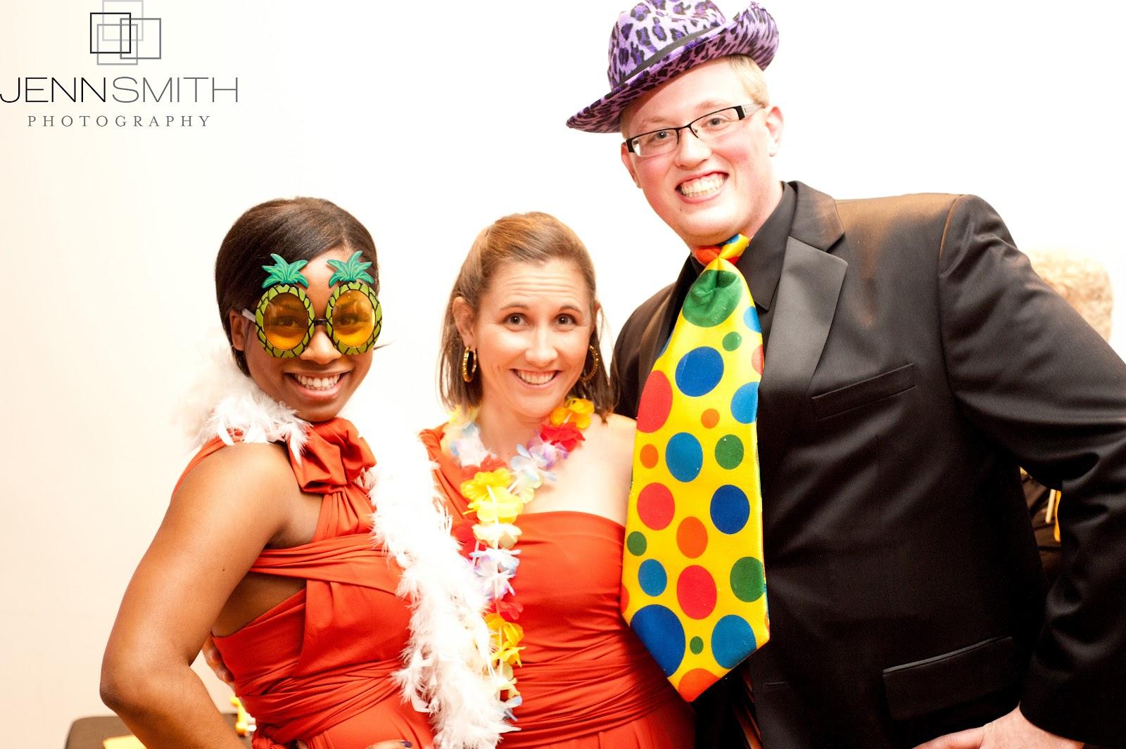 http://4.bp.blogspot.com/-60FLO3OS2RI/TzAfGnF_mqI/AAAAAAAAAOY/Dido7WOTApQ/s1600/Amos+Wedding653.jpg