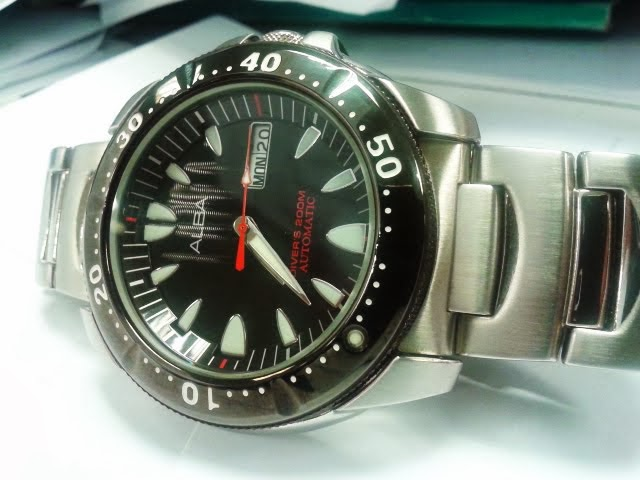 rm550: Alba wave diver 7S26 (booknbox)