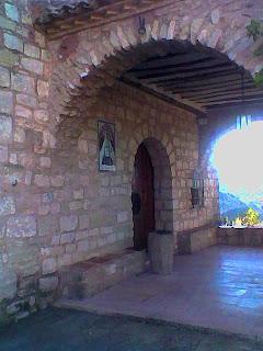 La Antigua Ermita en el Santuario de Torreciudad (Somontano, Huesca, Aragón, España)