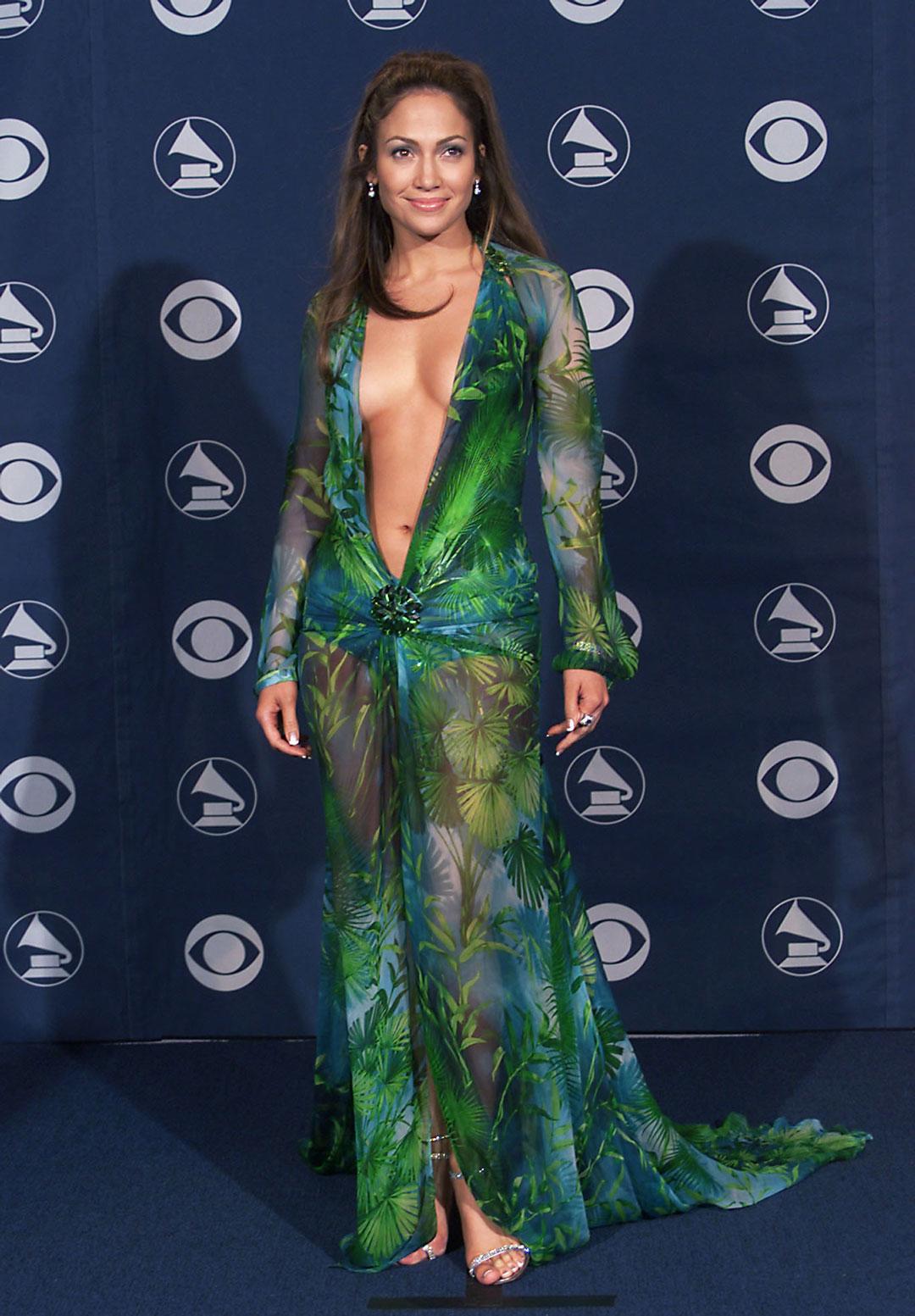 http://4.bp.blogspot.com/-60sHgetbhjQ/URgExWfrrPI/AAAAAAAAES0/61o0FV2dcrM/s1600/JLO+Grammys.jpg