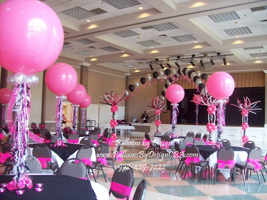 Balloon centerpieces party favors ideas for Balloon decoration ideas for quinceaneras
