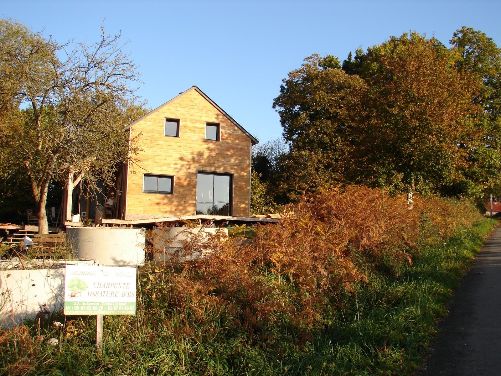 Habitat bois bardage ext rieur en c dre for Exterieur habitat 85