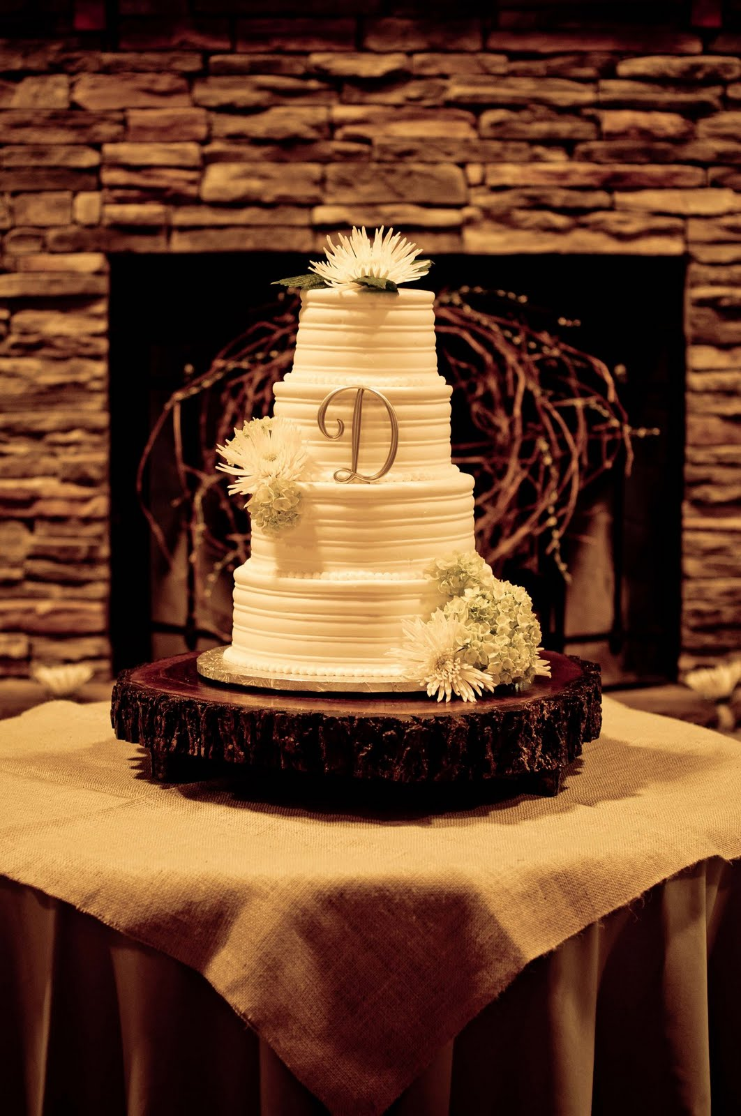 Wedding Cake On Tree Stump Stand