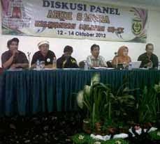 Diskusi Panel Aruh Sastra  Kalsel IX ,12-14 Okt.2012 di Bmasin.
