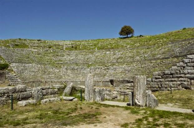 Συμβολικός καθαρισμός αρχαιολογικών χώρων
