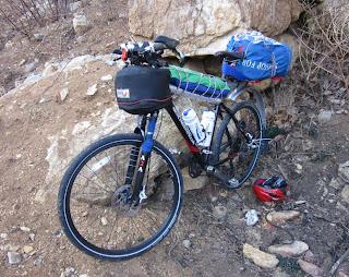 เสือภูเขาดัดแปลงเป็นจักรยานทัวร์ริ่ง