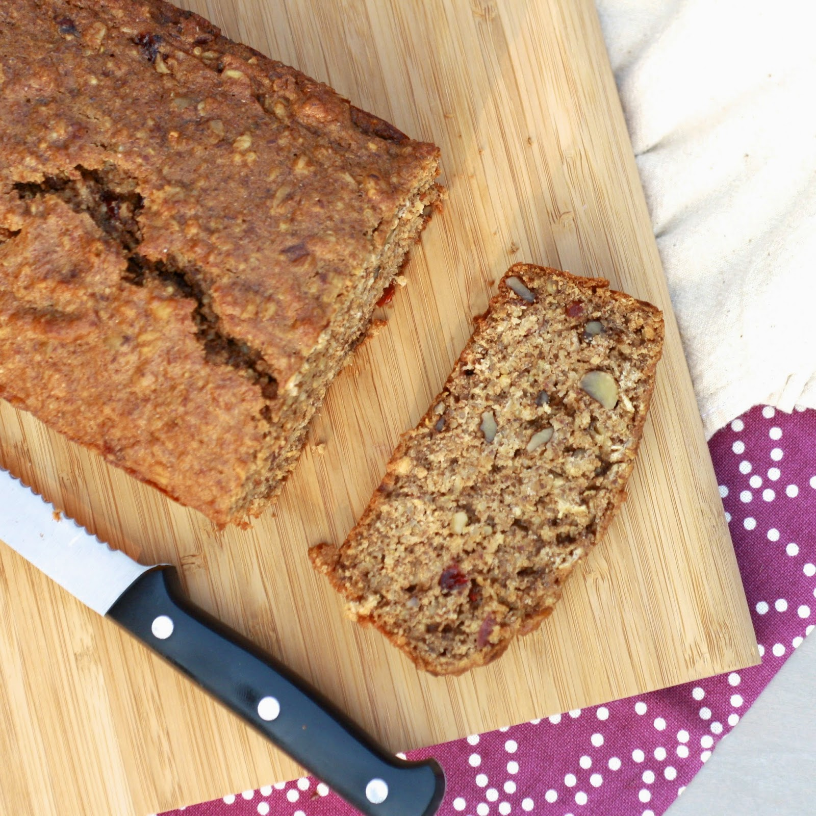 Quinoa Applesauce Oatmeal Bread | The Sweets Life