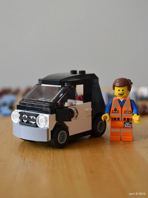 lego: double decker couch - bonus emmet's wheels