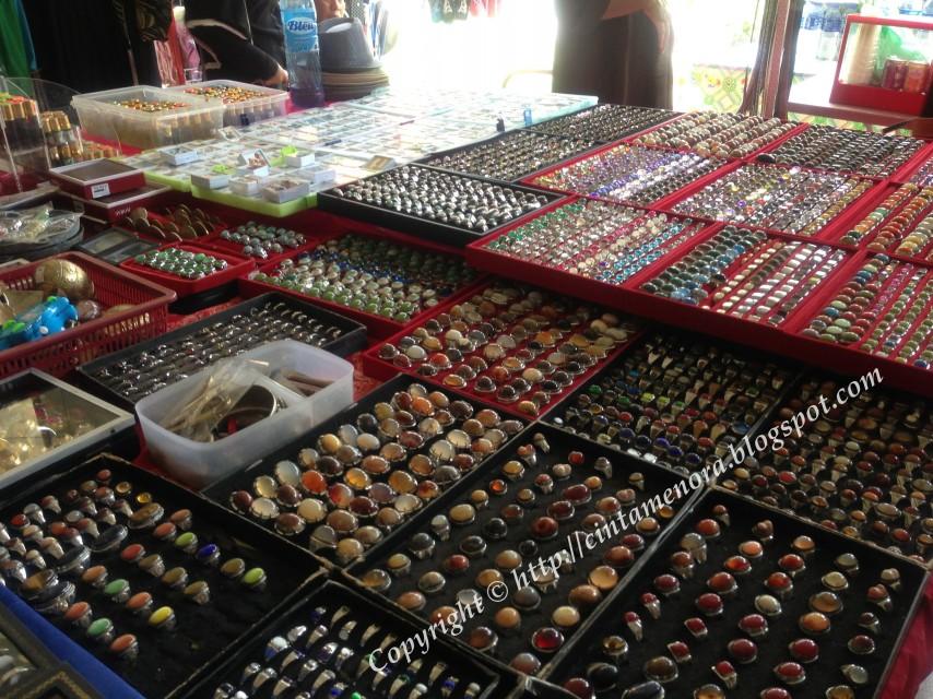 batu cincin dijual di bazar wakaf rakyat pulau besar
