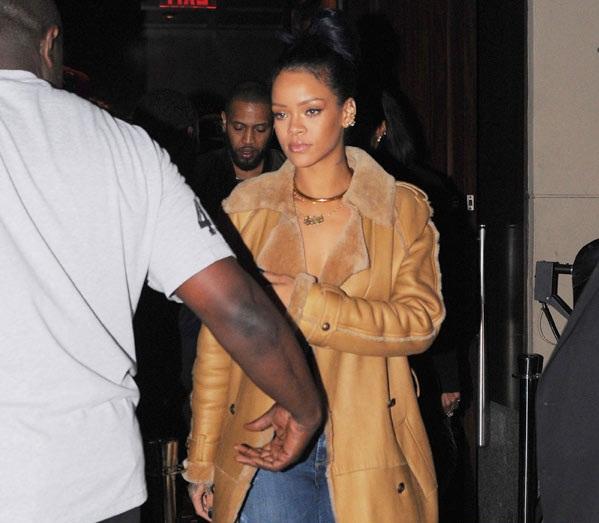 L'énorme choc de Rihanna , surprise par une fusillade dans une discothèque !!
