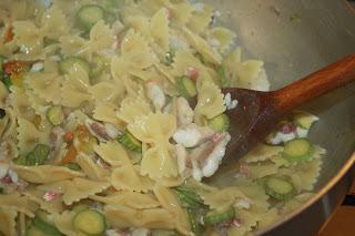 ricetta pasta pesce zucchine