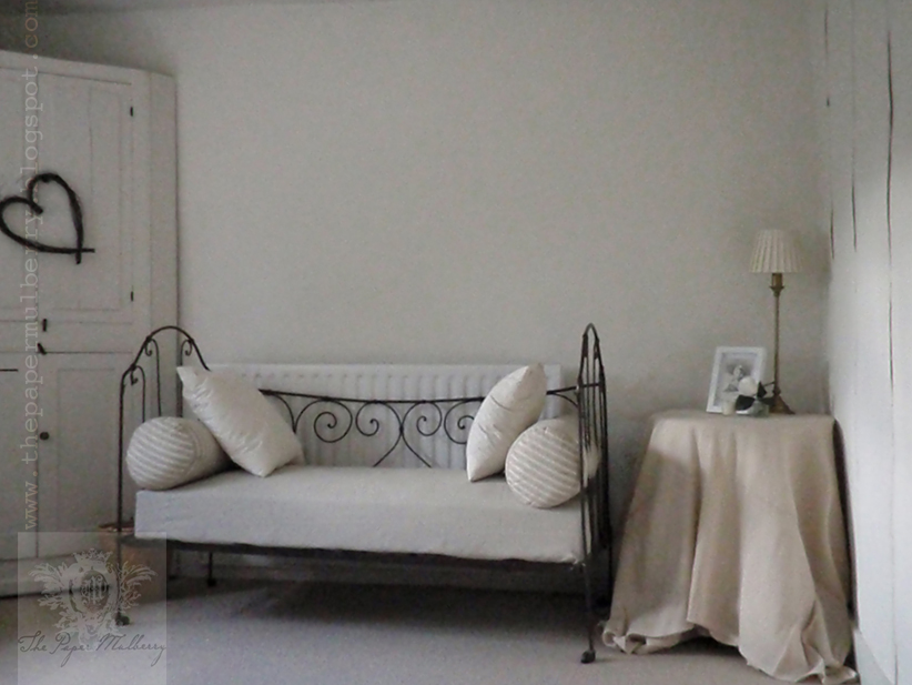 Homebase Garden Daybed : The paper mulberry may