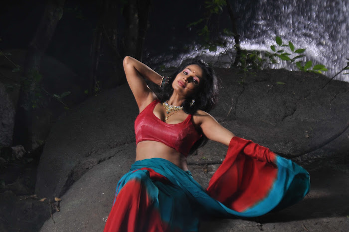 akashamlo sagam movie photo gallery