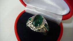 Cincin Batu Zamrud