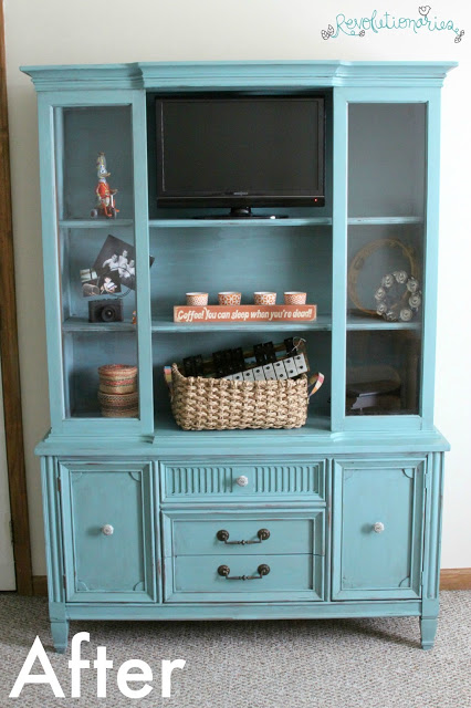 http://4.bp.blogspot.com/-62VNAf9F9mg/VdvLVPDCSwI/AAAAAAAAers/Mu-qwvG8p-U/s640/repurpose-china-cabinet-into-entertainment-center-7.jpg