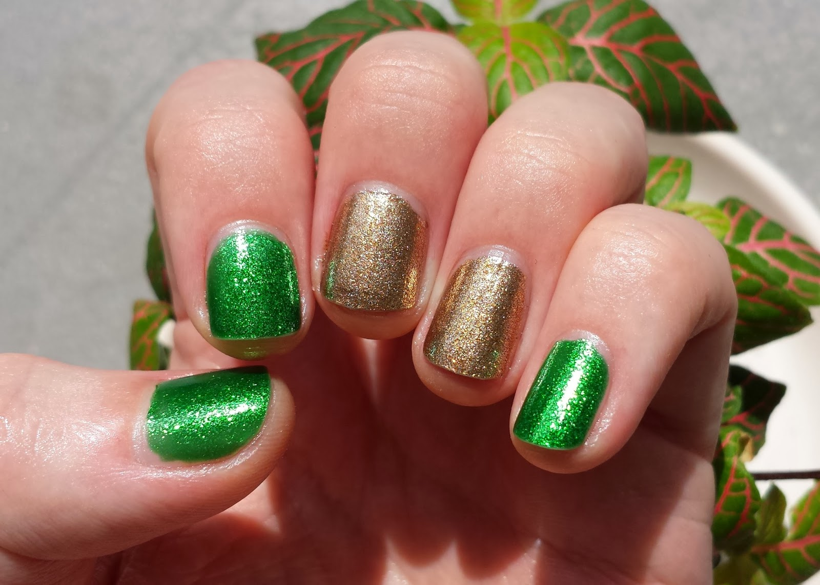 China Glaze - Goldie but Goodie  Running in Circles