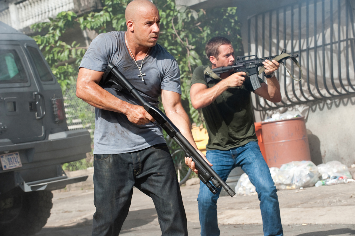 http://4.bp.blogspot.com/-62wAViDmVh0/Tb7moGmM53I/AAAAAAAAAvA/Q-Ol8XUOIyg/s1600/fast-and-furious-5-fast-five-wallpapers-9.jpg