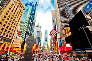 Times Square (Best Honeymoon Destinations In USA) 8