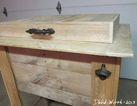 free rustic pallet wood project, cooler stand
