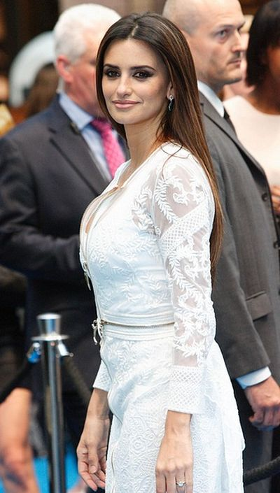 Penelope Cruz Pics