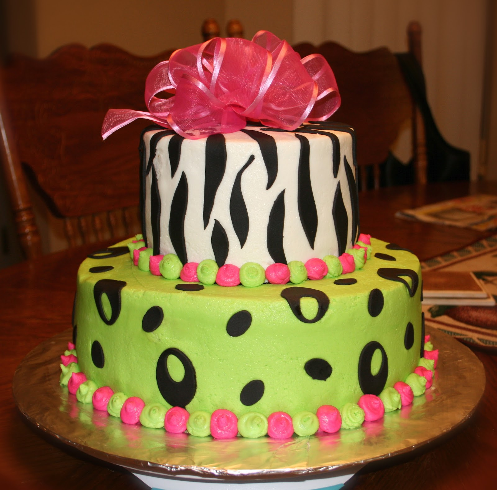 Green Zebra Cake http://sugarspellcakes.blogspot.com/2012/02/hot-pink-lime-green-zebra-cake.html