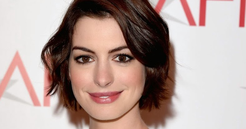 anne hathaway to star in the monster movie colossal the