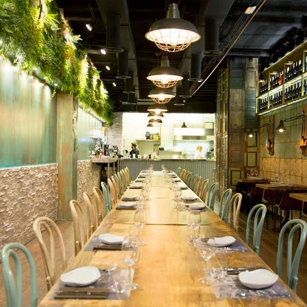 Mesa del restaurante 2254