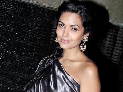Esha-Gupta-Bollywood-Hot-Actress