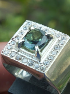 batu mulia safir