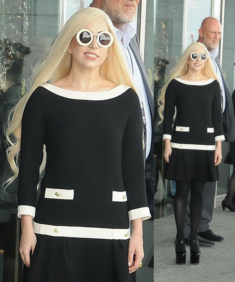 ScarletStiletto: Lady Gaga in Moschino
