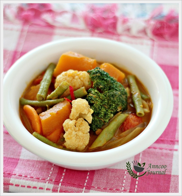 Simple Vegetable Curry | Anncoo Journal - Come for Quick and Easy ...