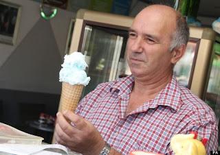 yang membuat es krim rasa facebook