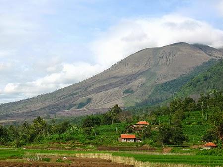 Keindahan Panorama Gunung Guntur