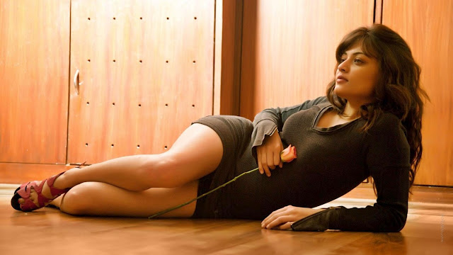 Actress Sneha Ullal Posing in Grey top and Short Skirt on Staircase Indian Babe