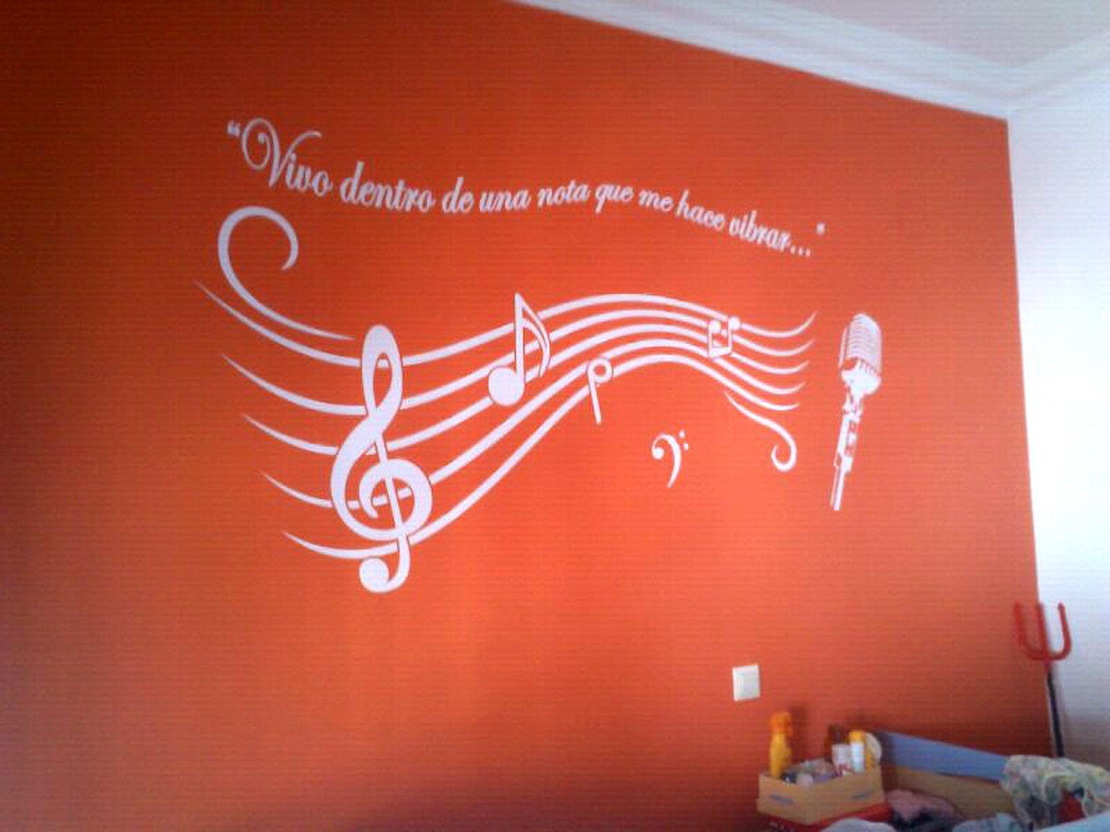 Trabajos con vinilo para decoraci n agosto 2012 for Disenos paredes habitaciones