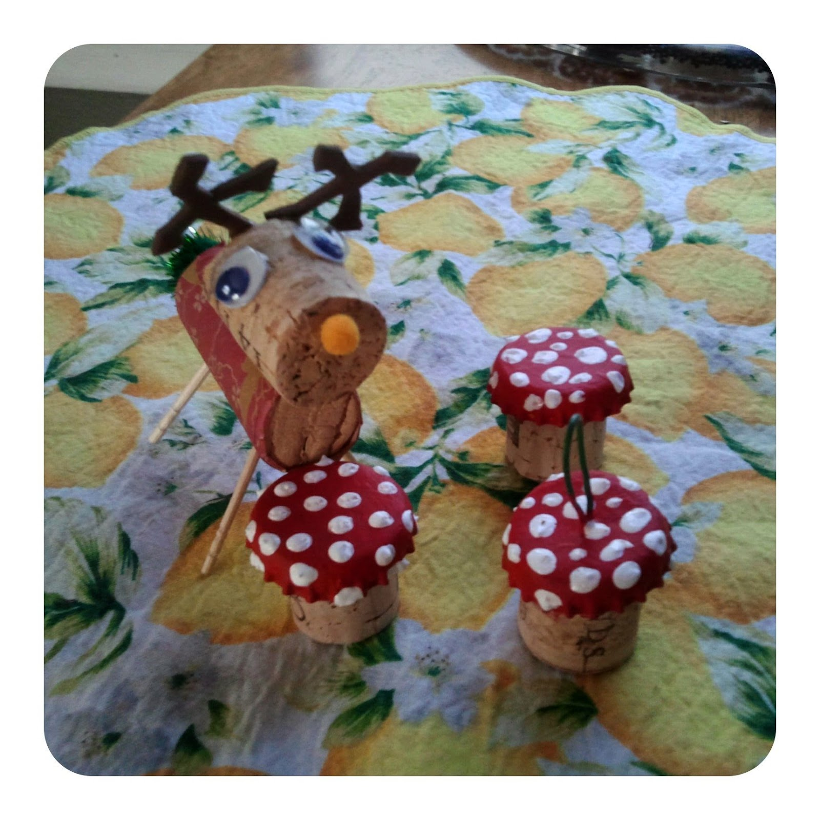 Ornaments made from wine corks - Reindeer And Amanita Mushroom Made From Wine Corks